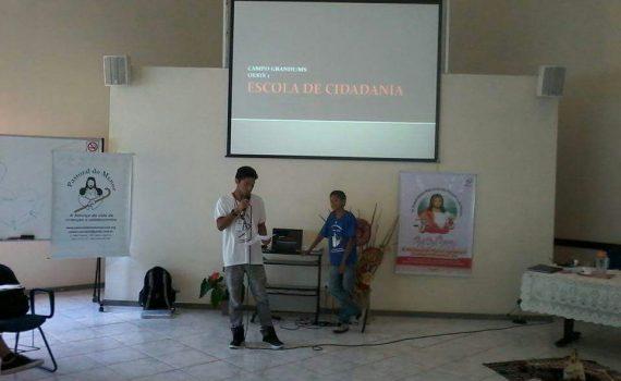 Maxwel e Carlos Eduardo, adolescentes da Alpa, apresentam a Escola de Cidadania